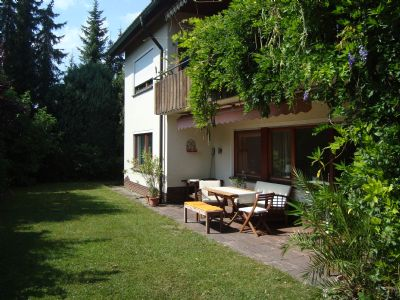 Ruhige und sonnige Einliegerferienwohnung 81m², 2 Schlafzimmer, eigener Garten