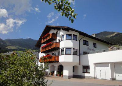 Der Rosenhof:  Ihr ideales Urlaubsziel mit tiroler Tradition und Gastfreundschaft für ihren Ski-Wander- oder Reiturlaub