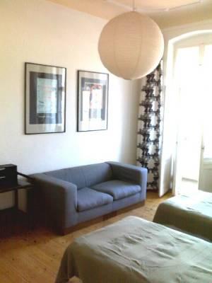 Möblierte 3-Zimmer-Wohnung mit 2 Balkonen in Friedrichshain!