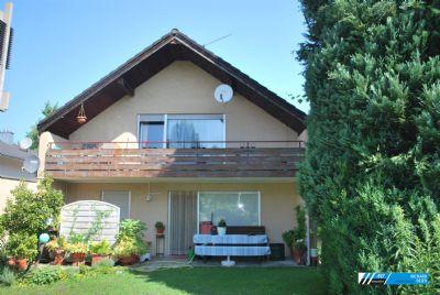 """RG - Immobilien """"Zentrale Lage"""" 3 Zimmer DG-Wohnung mit Balkon"""