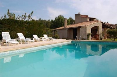 Absolut ruhige provenzalische Poolvilla im Herzen der Provence unweit See und Meer