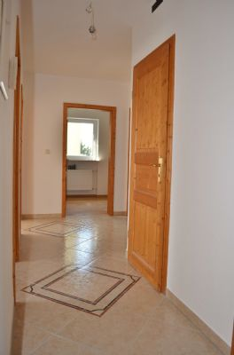 ++ 4-Zimmer-Wohnung komplett renoviert, tolle Ausstattung ++