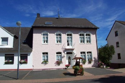 FEWO Haus zum Kylltal ,Eifel, Vulkaneifel ,Oberes Kylltal , Stadtkyll ,am Kylltalradweg,