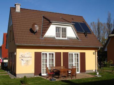 Großzügig eingerichtetes freistehendes Haus mit Sauna und Kamin