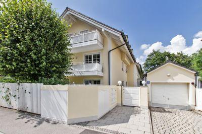 sehr gepflegte 2 Zimmer Wohnung mit Balkon und EBK, Garage, sehr ruhig