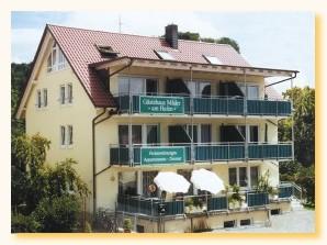 Gästehaus Mäder - FeWo Nr. 1 und  Nr. 3 mit Blick zum Hafen/in den Ort