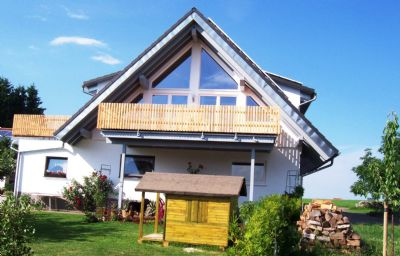 Ferienhaus Sonnenhof - Ferienwohnung Monika