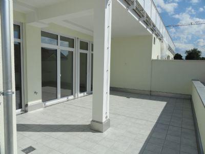NEUBAU: 3-Zimmer Wohnung mit Dachterrasse - hell, ruhig, zentral